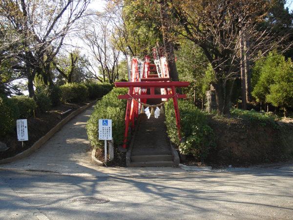 稲荷神社、生目神社